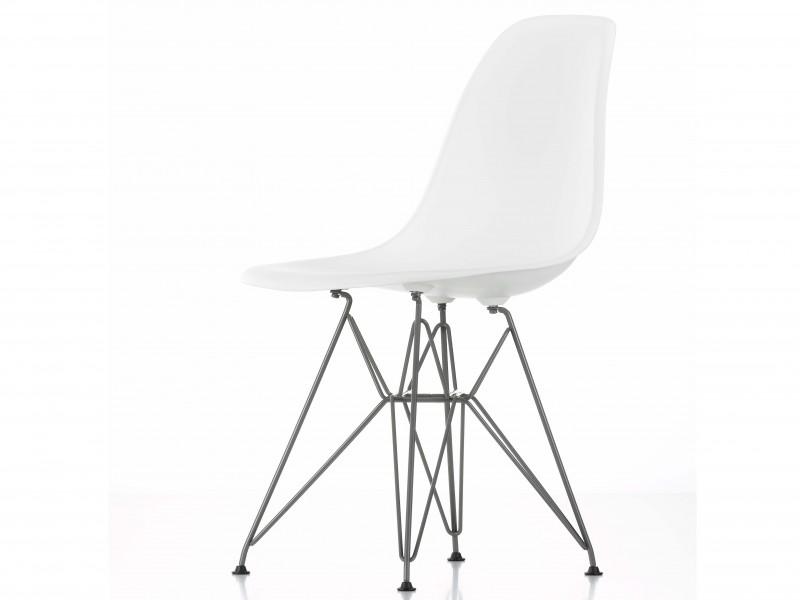 DSR Eames Plastic Chair Klassiske plaststoler fra Vitra